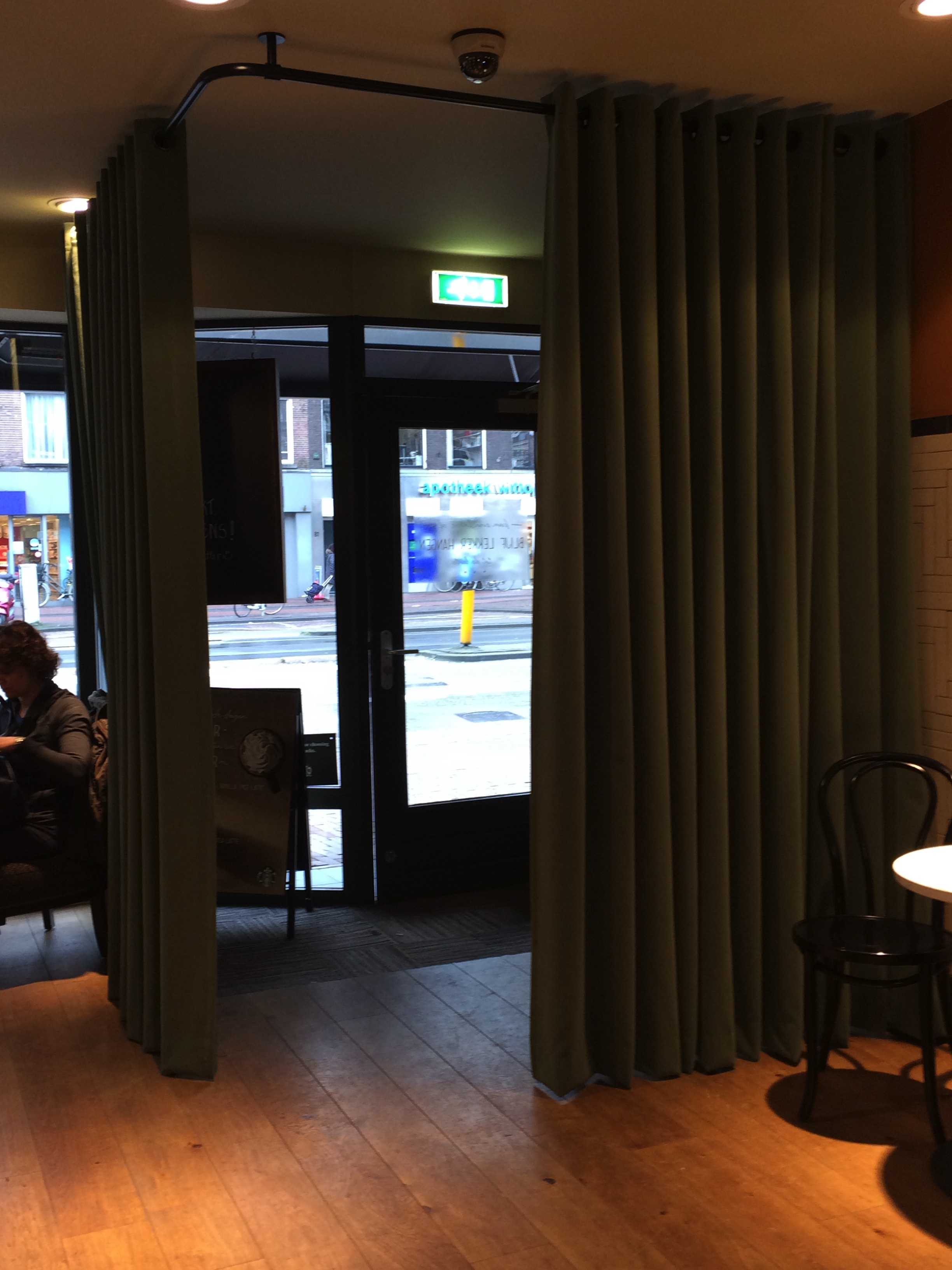 Tochtgordijn Starbucks Overtoom Amsterdam